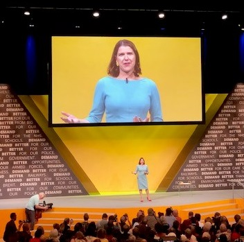 Image of Jo Swinson speaking at Lib Dem conference